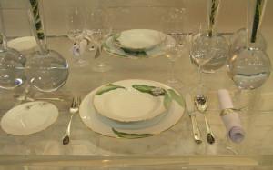 大倉陶園様のブースにて展示された銀食器、「シンプルマリーナ」